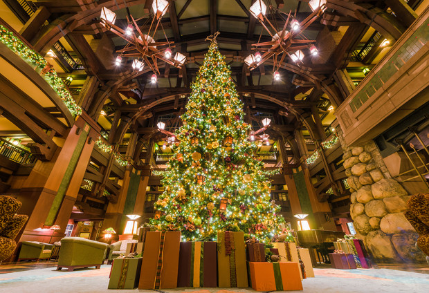 grand-californian-hotel-christmas-tree-wide-low-copy-620x424